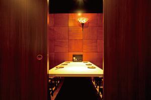 ゆったりと食事を楽しめる個室は、テーブルから掘りごたつまで揃っている。